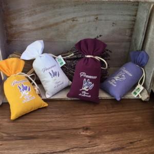 Bouquets Ventoux-Bio-Lavendelsäckchen-verschiedene Farben_la-maison-de-florence
