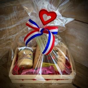 Geschenkkiste mit Herz inkl. Deko - Pour elle